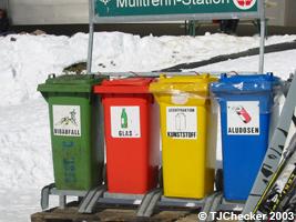 Recycling auf dem Stubaier Gletscher, © TJChecker 2003